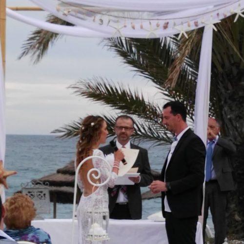 Zivile Hochzeitszeremonie am Strand von Marbella