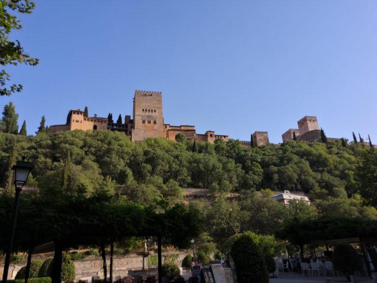 Masters of borgerliga ceremonier och bröllop i Carmen de Los Chapiteles, i Granada