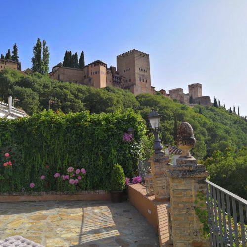 Boda civil en el Carmen de los Chapiteles, Granada