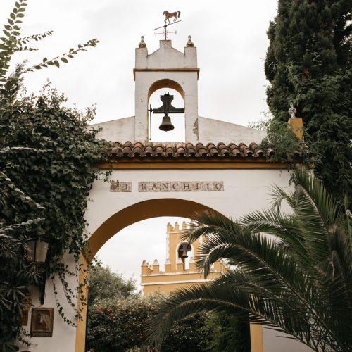 Bodas-civiles-y-maestros-de-ceremonia-en-Cortijo-Mi-Ranchito-En-Sevilla
